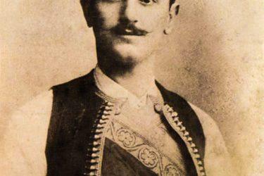 Како ли је само питомошћу Богочовјека закићен народ који Шантића има!