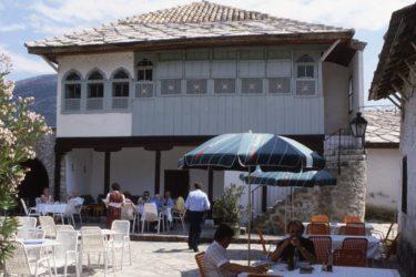 ИЗДАТА ГРАЂЕВИНСКА ДОЗВОЛА: Епархија ЗХИП обнавља Бегову кућу у Требињу
