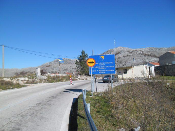 РИГОРОЗНИЈА КОНТРОЛА: Дужа чекања на хрватској граници