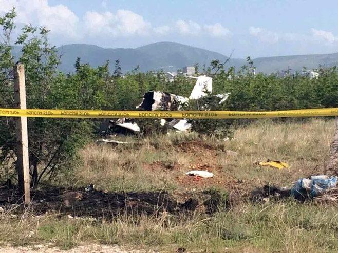 ТРАГЕДИЈА У МОСТАРУ: Петоро мртвих у паду школског авиона (ВИДЕО)