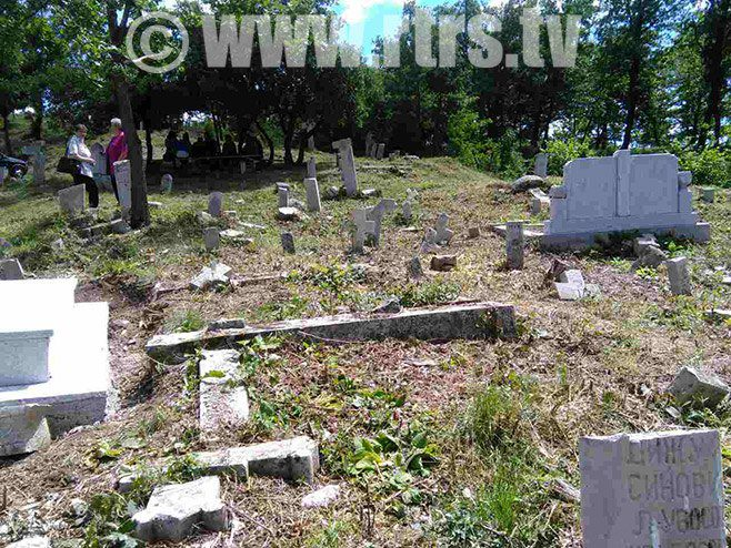 Поново оскрнављено српско гробље у Мошћаници код Зенице