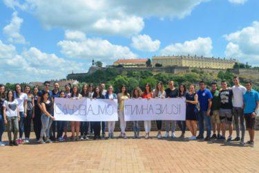 САЧУВАЈМО ГИМНАЗИЈУ: Херцеговци у Новом Саду упутили подршку билећким ученицима и професорима