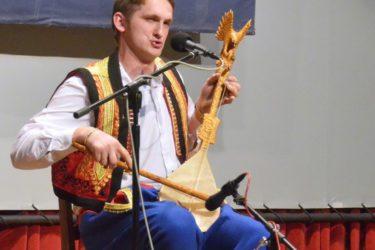 ДОМИНАЦИЈА ХЕРЦЕГОВАЦА: Милош Вукоје побједио на 24. Фестивалу гуслара РС у Фочи
