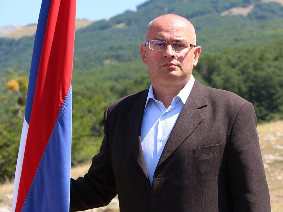 ВОЈИН ГУШИЋ: Ниједан политичар не може више вољети РС од оних који су за њу крварили!