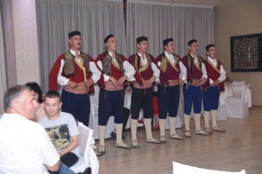 13. ЗАВИЧАЈНО ВЕЧЕ У ВРШЦУ: Херцеговци славили Видовдан и Косово (ФОТО)