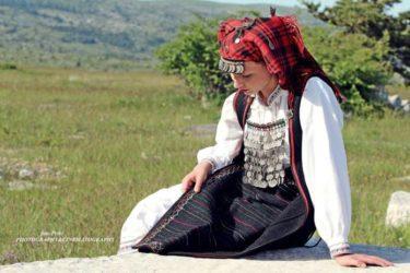 Тврдоглави сан на каменом јастуку Херцеговине