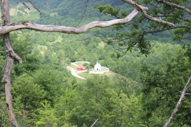 SVETOZAR CRNOGORAC: Hercegovci, naša je obaveza da obnovimo mučeničko selo Pridvoricu!