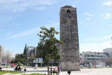 Скинут крст са Сахат куле у Подгорици