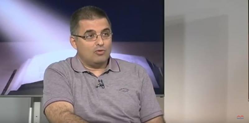 ТРИФКО ЋОРОВИЋ: Бојим се да ћемо за 50 година морати да доказујемо да је ћирилица српско писмо! (ВИДЕО)