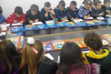 """Narodna biblioteka """"Vladimir Gaćinović"""" ugostila najmlađe čitaoce"""