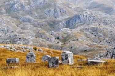 DR GORAN KOMAR ZA SH: Stećak je okamenjeni srpski žal za Pravoslavnom romejskom civilizacijom