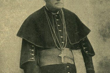 Бискуп кога су ордењем одликовали краљ Никола и краљ Александар