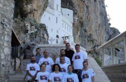 ПУТЕМ ПОКЛОЊЕЊА СВЕТОМ ВАСИЛИЈУ: Билећки планинари пету годину у низу пјешачили до Острога