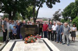 130 ГОДИНА ОД РОЂЕЊА ПЕРА СЛИЈЕПЧЕВИЋА: Свијеће и цвијеће на гробу најзнаменитијег Гачанина