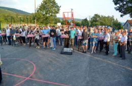 """Омладинска организација """"Језерине""""успјела у намјери-свечано отворено вишенамјенско игралиште"""
