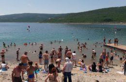 У Билећи одржан Први међународни пливачки маратон