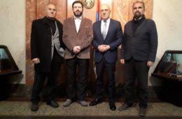 ВУКОСАВЉЕВИЋ ПРИМИО ДЕЛЕГАЦИЈУ САВЕЗА ГУСЛАРА СРБИЈЕ: Гусле требају да добију заслужено мјесто у српској култури