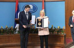 ДЕЈАН БОДИРОГА ОДЛИКОВАН ОРДЕНОМ ЧАСТИ СА ЗЛАТНИМ ЗРАЦИМА: Радује ме што је Српска слободна