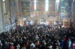 ХРИСТОС ВАСКРСЕ! Епископ Димитрије служио васкршњу литургију у саборном храму