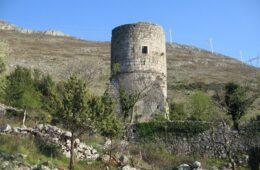 Урушава се Бранковића кула у Требињу
