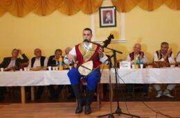 ХУМАНИТАРНО ГУСЛАРСКО ВЕЧЕ ЗА САШУ ЛАКЕТИЋА: Романија показала своје велико срце, душу и доброту