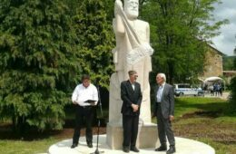 U Bileći osveštan spomenik đeneralu Dragoljubu Mihailoviću