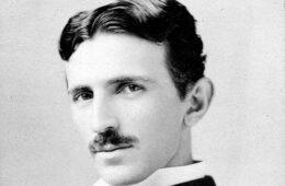 АКАДЕМИК ВАСИЛИЈЕ КРЕСТИЋ: Никола Тесла није рођен у Хрватској, него у Крајини као Србин православац
