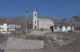 Пријетње свештенику и Србима у Мостару који су дошли у цркву