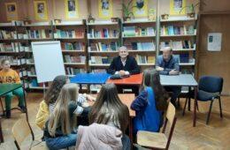 """На """"Иваниним данима"""" о књизи и медијима"""