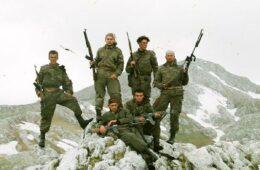 ХЕРОЈИ ФУДБАЛЕРИ ЗАБОРАВЉЕНИ: Цијели фудбалски тим положио живот за Републику Српску