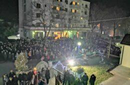 Више хиљада Билећана у молитвеној литији за браћу у Црној Гори (ФОТО)