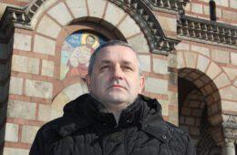 Линта позвао власт у Црној Гори да покрене дијалог са СПЦ и опозицијом