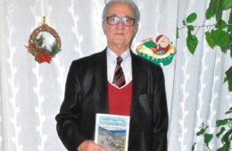 300 ДОМОВА ПОРОДИЦЕ ВУКОЈЕ ШИРОМ СВИЈЕТА: Животна и породична прича Воја Вукоја у осам књига