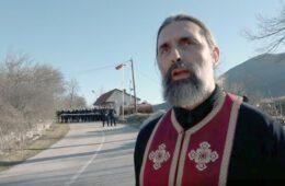 НЕ ДАМО СВЕТИЊЕ: Како је кордон специјалаца спријечио вјернике из Гацка да посјете манастир Светог Саве на Голији (ВИДЕО)