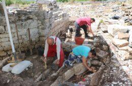 Археолошка истраживања цркве у Гомиљанима: Пронађени гробови на гробовима