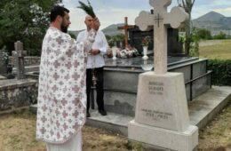 Освештан обновљени споменик оца добротвора Луке Ћеловића Требињца