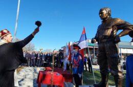 Откривен споменик славном команданту Новици Гушићу (ФОТО)