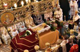 ЗАВРШЕНА ЛИТИЈА НАД ЛИТИЈАМА: Сахрањен архиепископ цетињски и митрополит Амфилохије