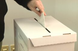 ДАНАС ЛОКАЛНИ ИЗБОРИ У РС И ФБИХ: У трци за локалне одборнике 30.809 кандидата