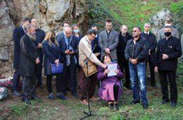 ПОМЕН КОД КРАЉЕВЕ ЧЕСМЕ: Већина Београђана ни данас не зна за гробницу у којој лежи 3.500 жртава комунистичког терора