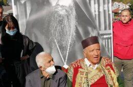 Пјешице прешао 12 километара: Старац од 95 година на сахрани митрополиту