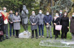 Скулптура слепог гуслара после 104 године поново на Калемегдану