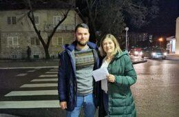 Билећани из Србије уручили новчану помоћ за Марка Вучковића