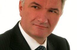 ЈОШ ЈЕДНА ЖРТВА КОРОНЕ: Проф. др Радослав Гаћиновић отишао у вјечност