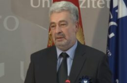 Кривокапић тврди да је био уцијењен да потпише Темељни уговор са СПЦ